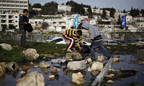 Palestinian-children-coll-008-f53b5e83f330b52c20aca13a3df368c4-