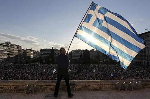 Greece-austerity-tsipras-referendum.si_-9ce873da1e0eb01647fdd5548042c75e-
