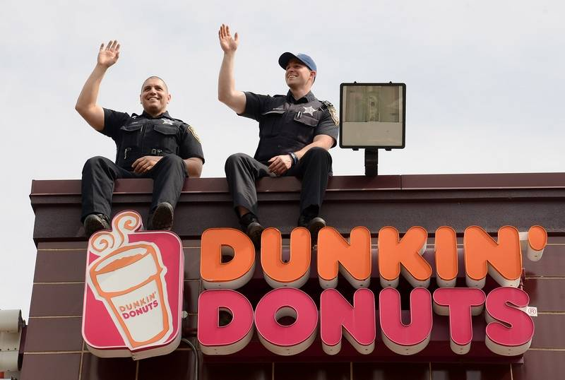 dunkin donuts essay Dunkin donuts and starbucks each make sure that they have stores everyone for the customers satisfaction their customers are their number one priority beside of course their profits each store gathers in large amounts of money for their business.