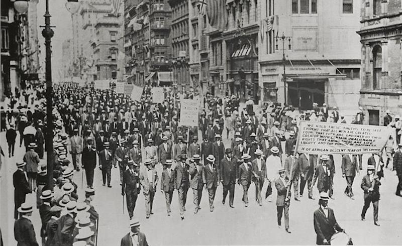 1917_silent_parade_men_h.tiff-