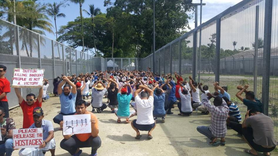 Australia_offshore_refugee_detention_centre_manus_island-