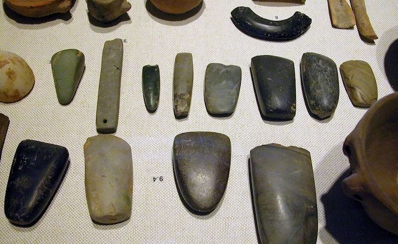 Neolithic_tools-