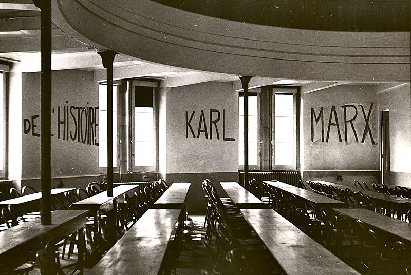 Graffito_in_university_of_lyon_classroom_during_student_revolt_of_1968-