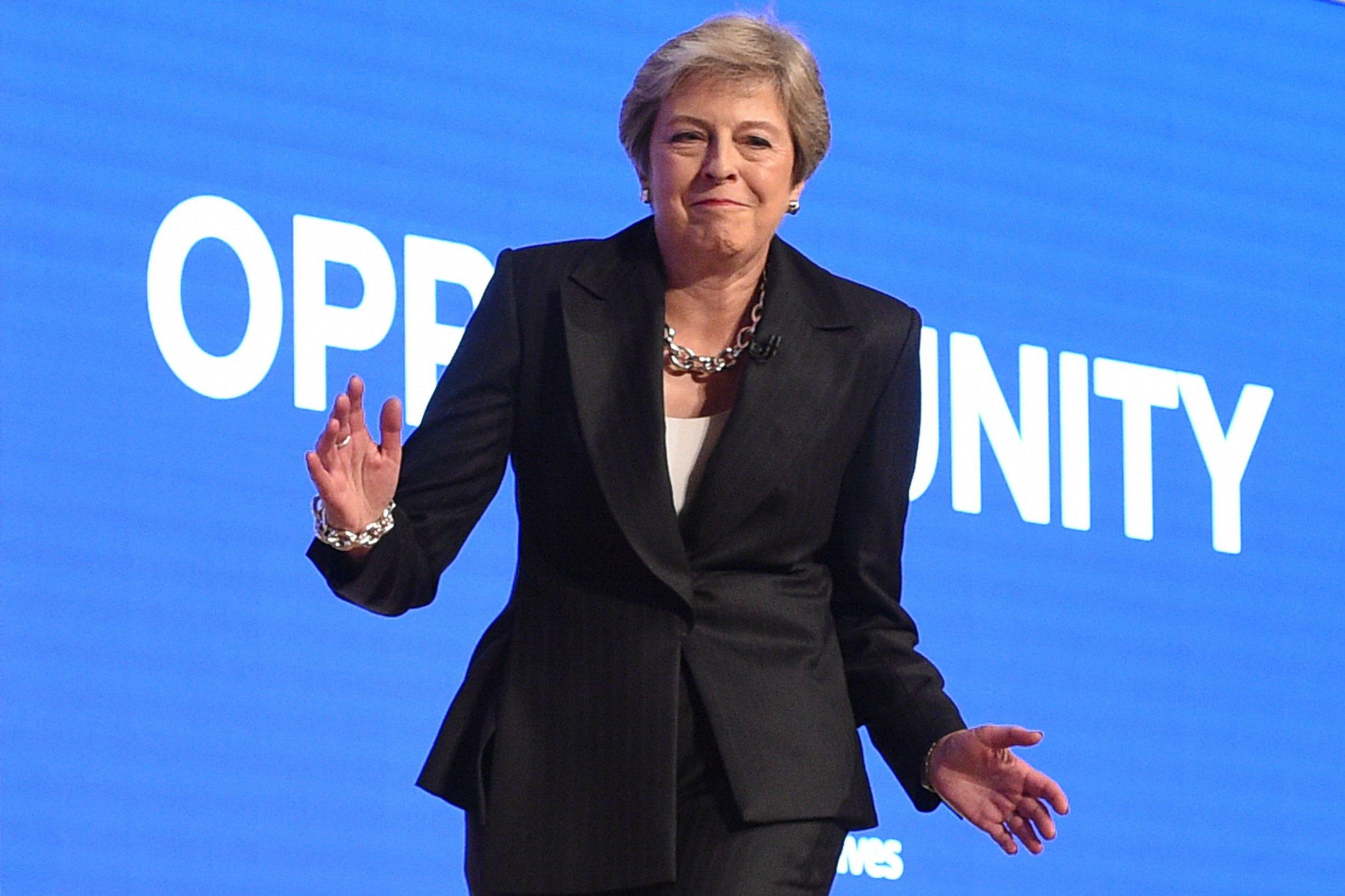 Theresa-may-dancing-2-0-