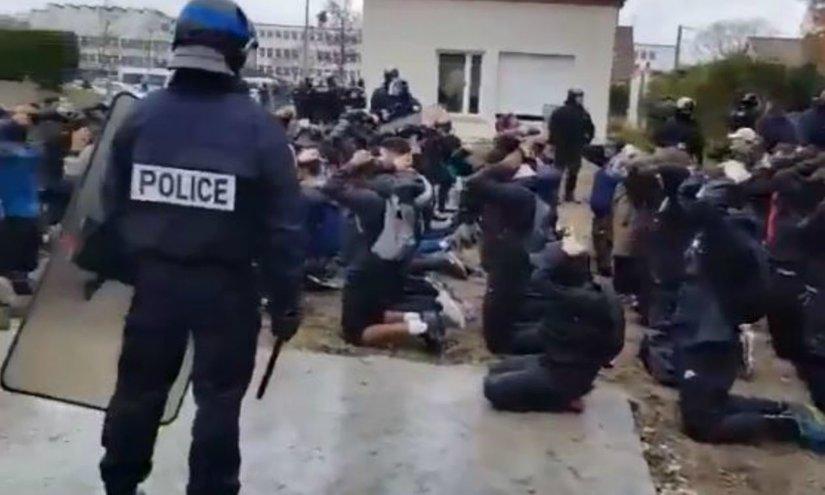 Rsz_mantes-la-jolie-lyceens-police-