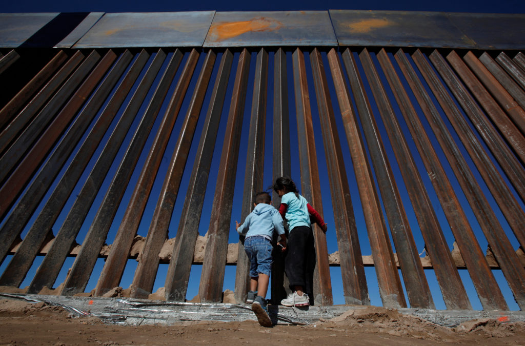Border_wall_kids-