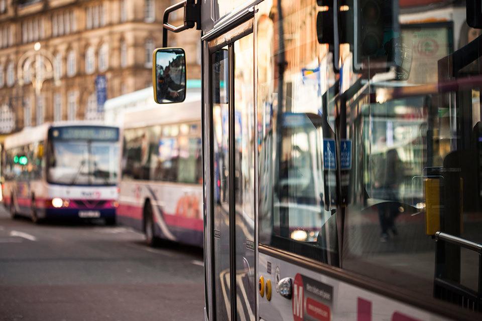 S960_leeds-buses-