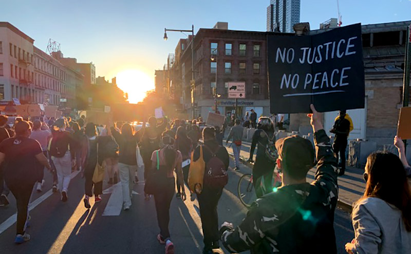 Brooklyn_protest_dusk-