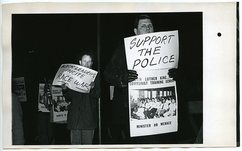 Man_picketing_1968_small-