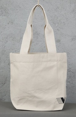 Tote_back-f_medium